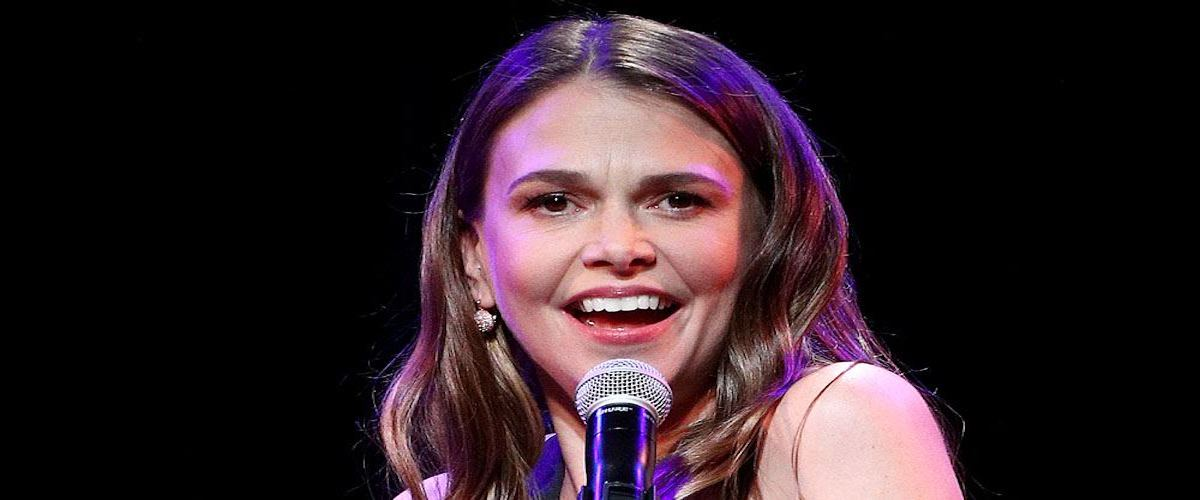 Sutton Foster singing